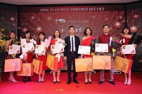 Đong đầy cảm xúc tại buổi lễ tổng kết năm 2019 của Quê Việt